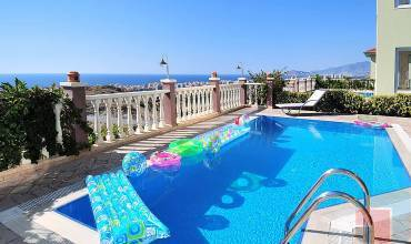 Properties in Alanya, 3 Bedrooms Bedrooms, ,2 BathroomsBathrooms,Villa,Vacation Rental,GOLD CITY,1063