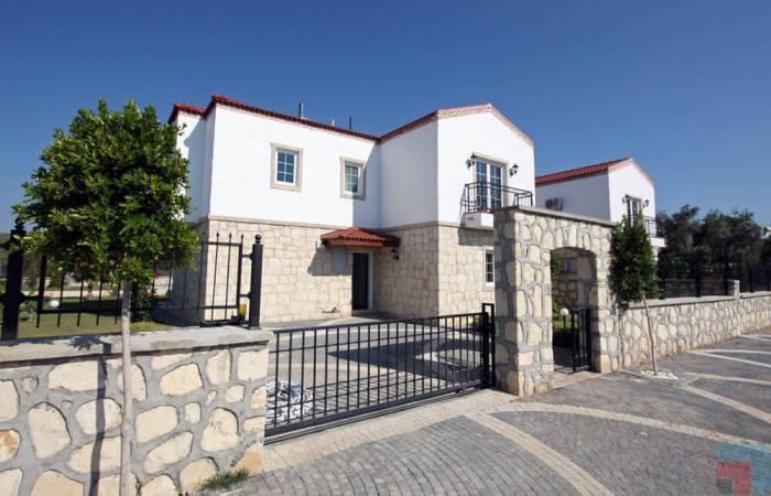 3 Bedrooms Bedrooms, ,2 BathroomsBathrooms,Villa,For Sale,1157