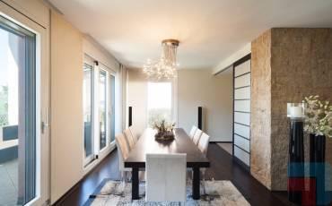 5 Bedrooms Bedrooms, ,1 BathroomBathrooms,Apartment,For Sale,1206