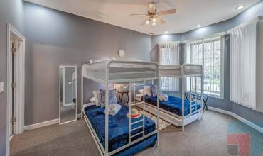 6433 South Kenwood Avenue GN, Chicago, Illinois 60, Illinois, 1 Bedroom Bedrooms, ,1 BathroomBathrooms,One Bunk Bed,Vacation Rental,6433 South Kenwood Avenue GN, Chicago, Illinois 60,1214