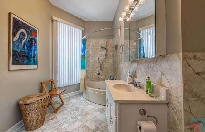 6433 South Kenwood Avenue GN, Chicago, Illinois 60, Illinois, 1 Bedroom Bedrooms, ,1 BathroomBathrooms,Apartment,For Long Rent,6433 South Kenwood Avenue GN, Chicago, Illinois 60,1215