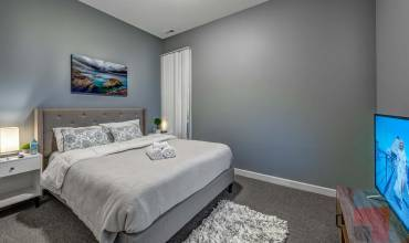 6433 South Kenwood Avenue GN, Chicago, Illinois 60, Illinois, 1 Bedroom Bedrooms, ,2 BathroomsBathrooms,One Bedroom,Vacation Rental,Kenwood,6433 South Kenwood Avenue GN, Chicago, Illinois 60,2,1216